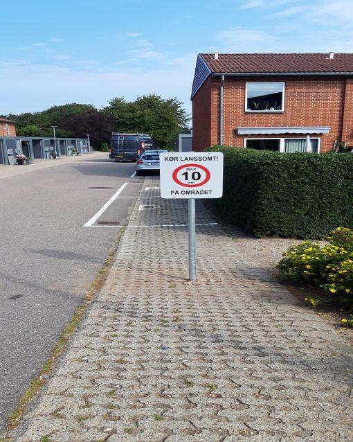 Trafik skilte max hastighed 10 km